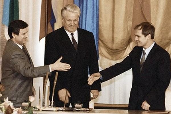 Закат федерации: когда Россия вернулась к имперскому устройству