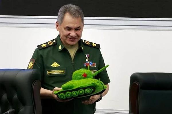 Кремль хочет подавить общество армией?