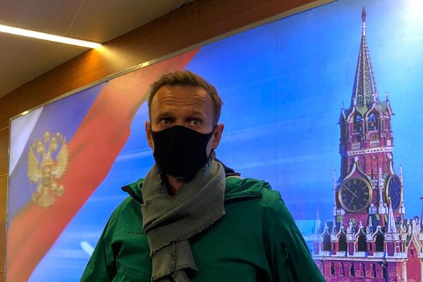«Патриотическое самозаключение» Алексея Навального